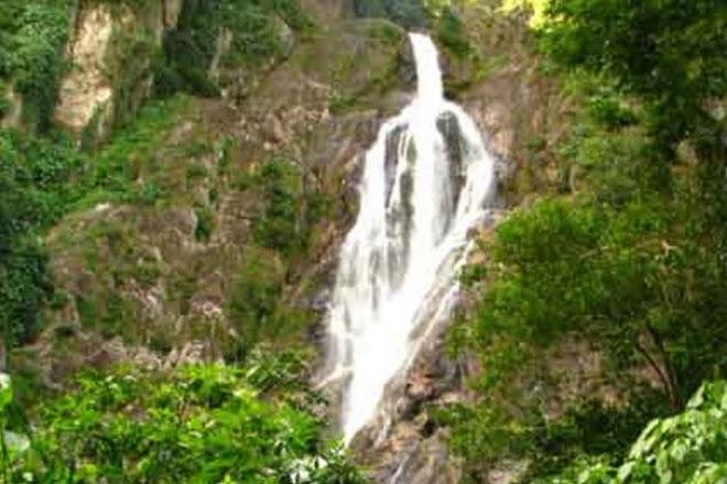 Davis Falls, Dangriga, Belize