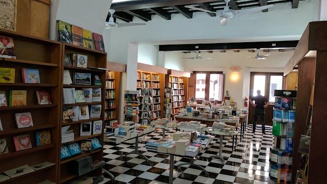 Librería Laberinto Viejo San Juan, Author: Evan Font
