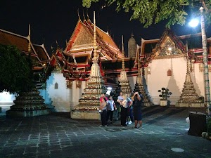 Follow Me Bangkok Tours