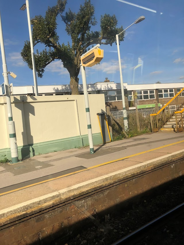 Portslade Railway Station (Stop G)