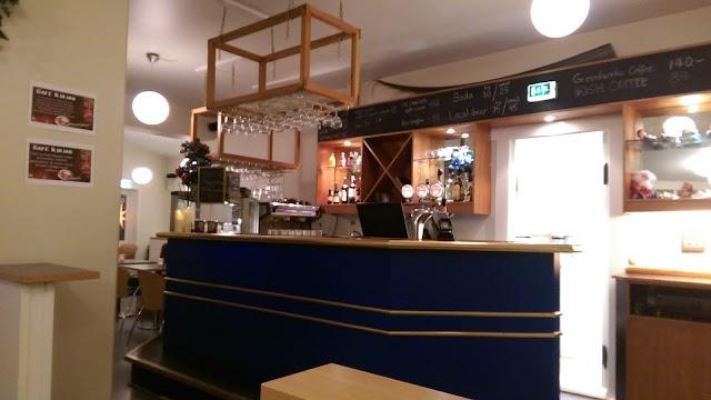 Cafe Iluliaq