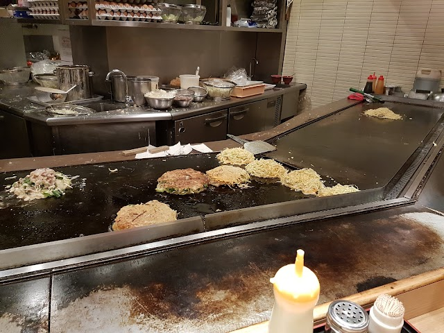Okonomiyaki Momotaro Umeda Rukua shop