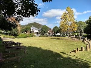 モクレン公園