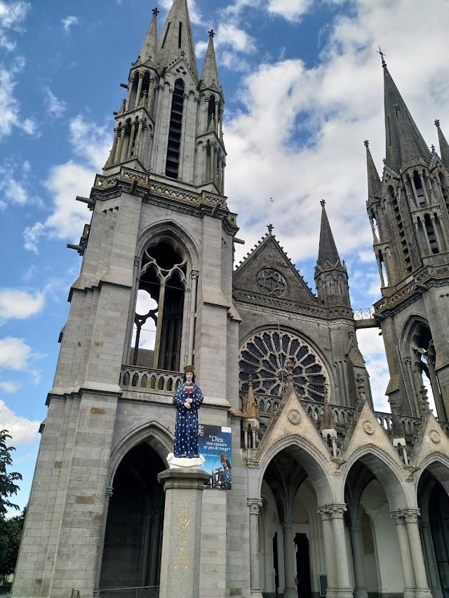 Basilique Notre-Dame de Pontmain