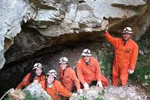 Cavernas El Sauce, La Falda, Argentina