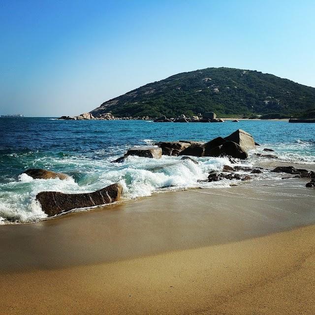 Yung Shue Ha Beach
