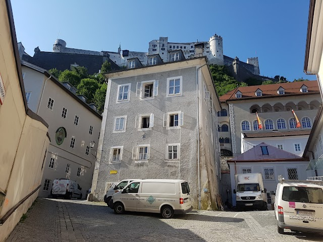 Townhouse Weisses Kreuz