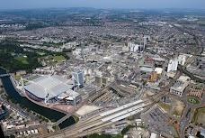 Caerdydd Canolog/Cardiff Central