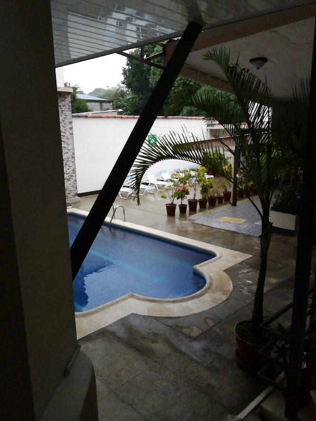 Hotel Flor Blanca