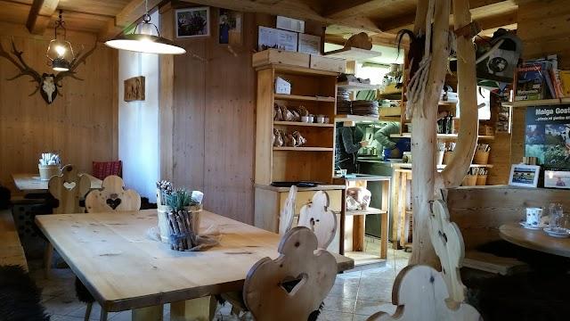 Malga Gostner Schwaige Hütte mit Käserei