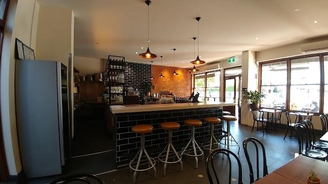 Semifreddo Wine Bar