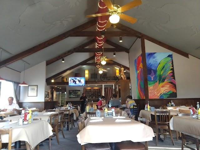 Rooster's Barn & Grill