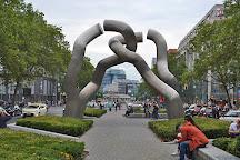 Berlin Sculpture (Broken Chain), Berlin, Germany