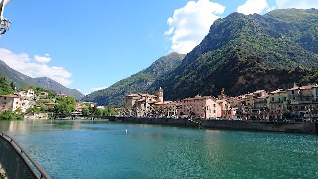 Provence-Alpes-Cote d'Azur (Provenza-Alpes-Costa Azul)