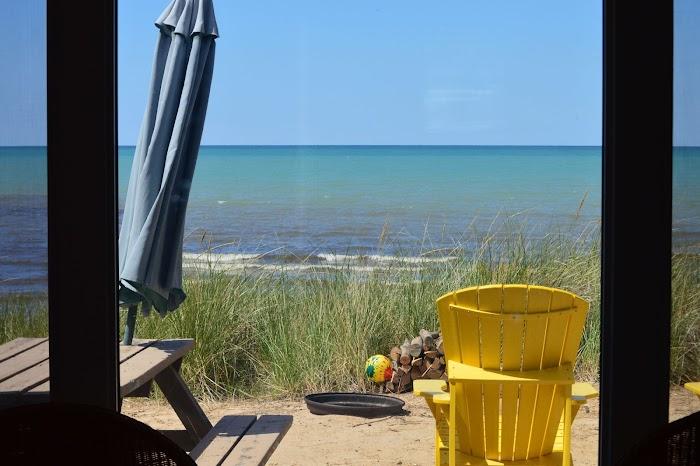 2 Dunes Beachfront Cottages