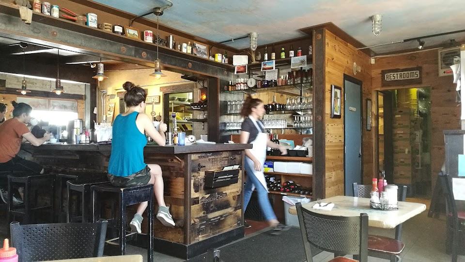 Crossroads Cafe & Tavern