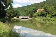 Canal de Bourgogne, Bourgogne-Franche-Comte, France