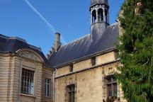 Place de l'Hotel de Ville, Noyon, France