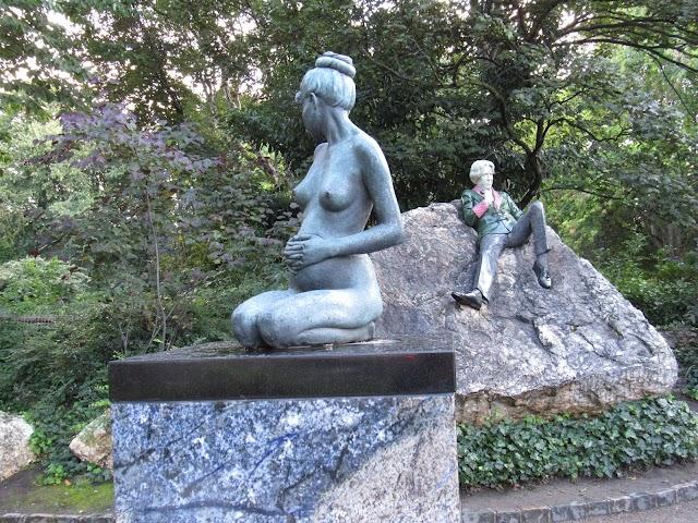 Oscar Wilde Memorial