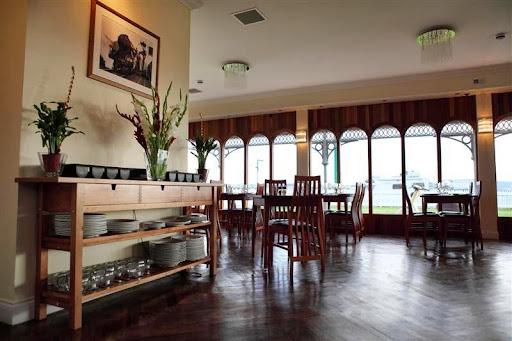 Bridgeview Station Restaurant