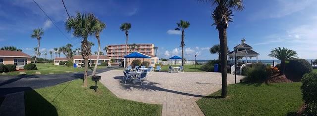 Coral Sands Inn & Seaside Cottages
