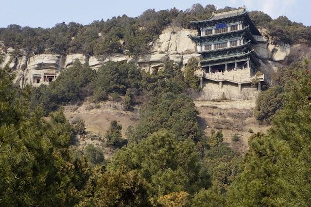 天龙山石窟