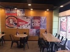 Pizza Hut sargodha