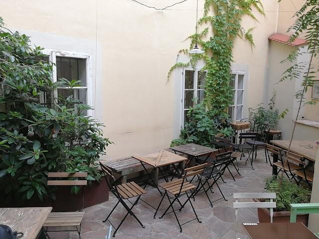 Club Cafe Misenska