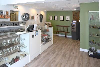 High Q Silt, Recreational Marijuana Dispensary