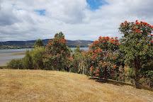 Inverawe Native Gardens, Margate, Australia