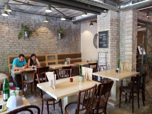 Veliki Cafe Restaurant