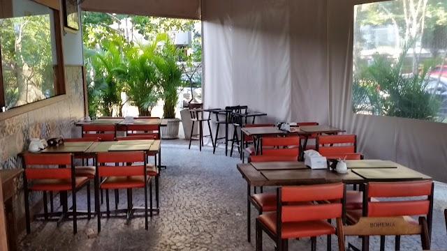 Três Potes Restaurante Comida Mineira
