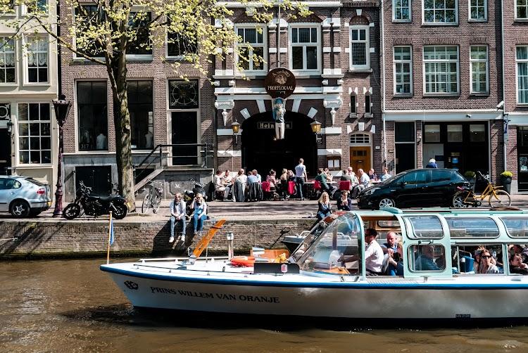 Proeflokaal A. van Wees Amsterdam