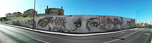 VHILS - Mural Barreiro Rostos