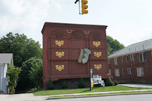 World's Largest Chest of Drawers, High Point, United States