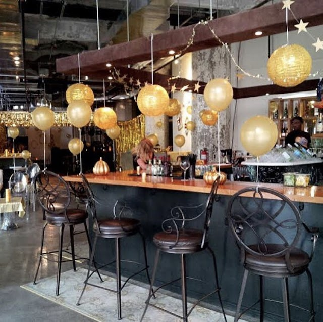 Headroom Bar & Social