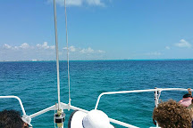 Fragata Catamaran, Cancun, Mexico