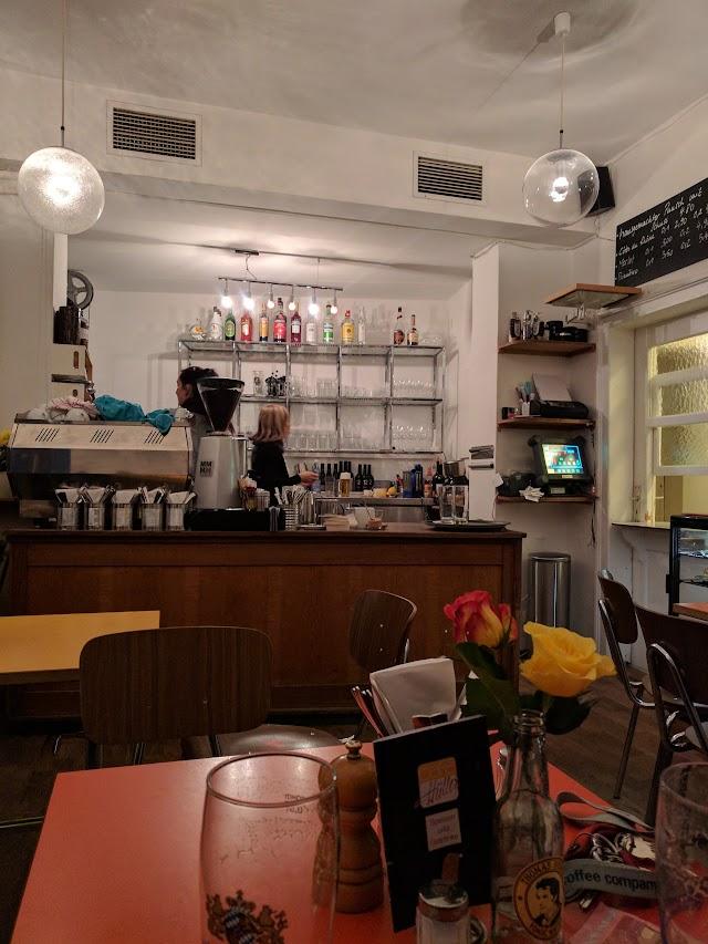 Cafe Huller
