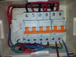 TÉCNICO ELECTRICISTA - CARLOS WILLY DONAYRE 9