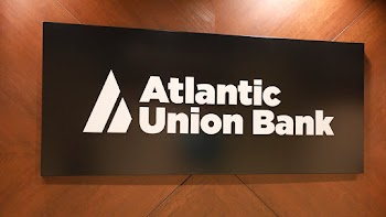 Atlantic Union Bank Payday Loans Picture