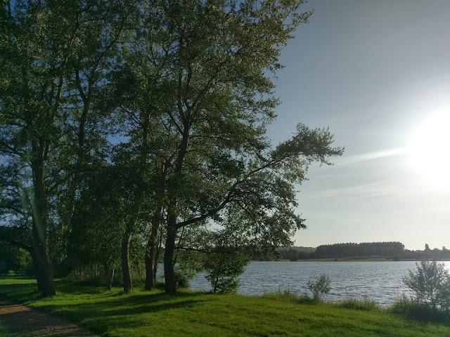 Camping et Base de loisirs du Lac de Pont l'Evêque