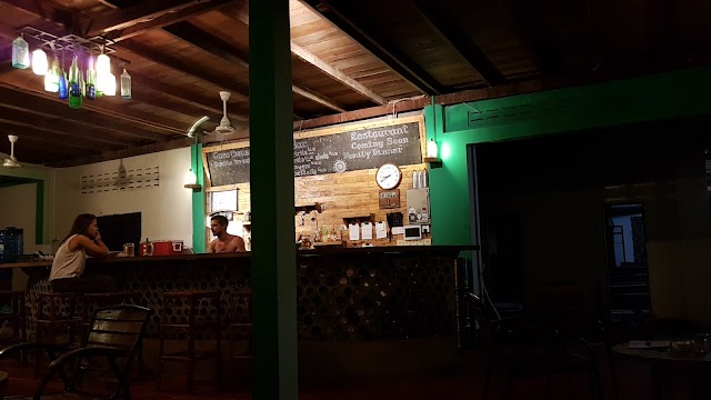Bong's Guesthouse & Bar