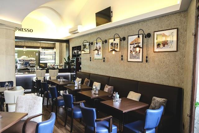 Varker Cafe & Wine
