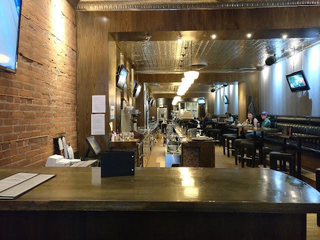 Hat Resto Pub