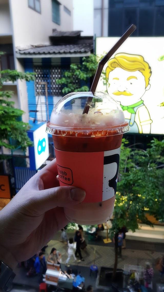 Rabb Coffee BTS Sala Daeng by Casa Lapin