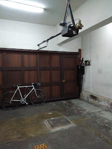 El garajr 0