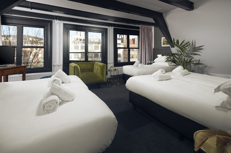 MR. MONKEY - Hangout & Hotel Amsterdam