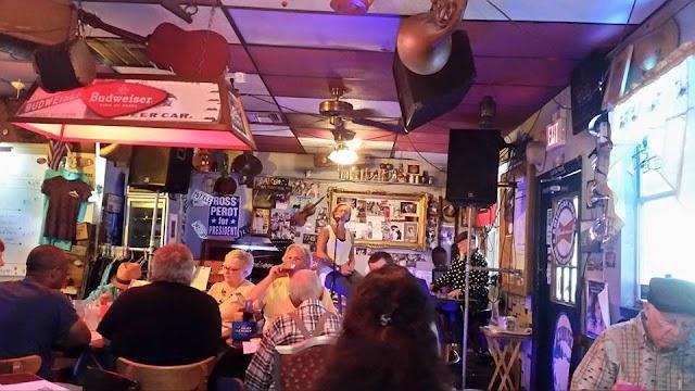 JR's Old Packinghouse Cafe