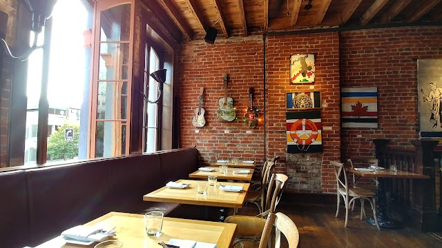 Ferris' Upstairs Seafood and Oyster Bar