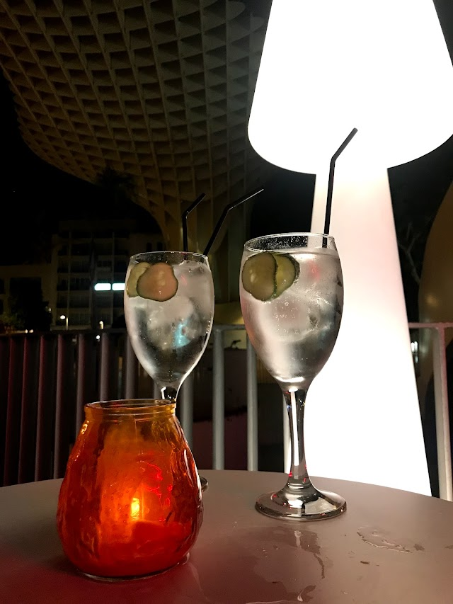 Moss Lounge Bar